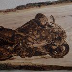 wypalanie w drewnie, sylwia, pirografia, janczyszyn, pyrography, handmade, rękodzieło, pomysł na prezent, motocykl, pamiątka