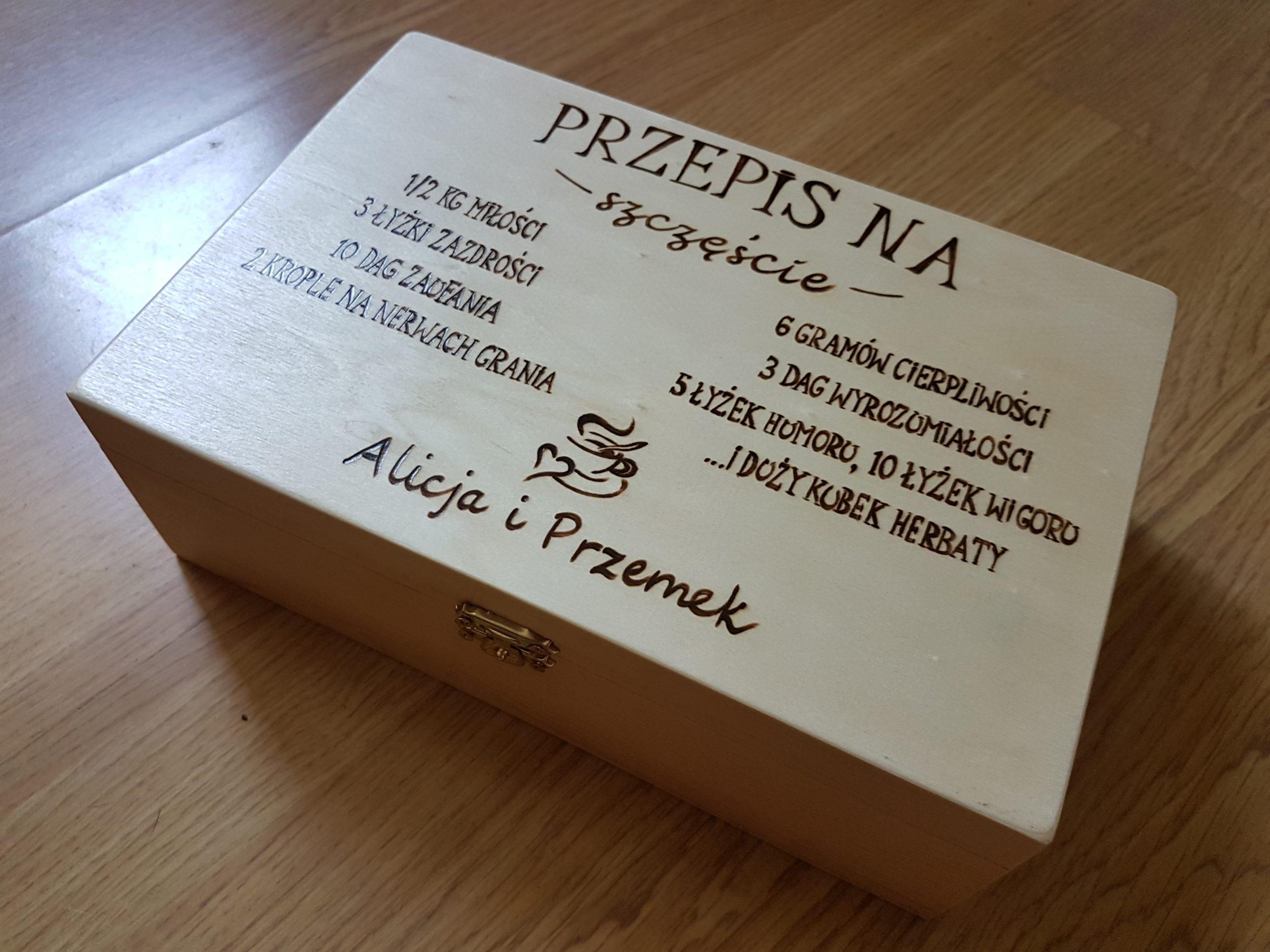 wypalanie w drewnie, sylwia, pirografia, janczyszyn, pyrography, handmade, rękodzieło, pomysł na prezent, pudełko na herbatę, herbaciarka