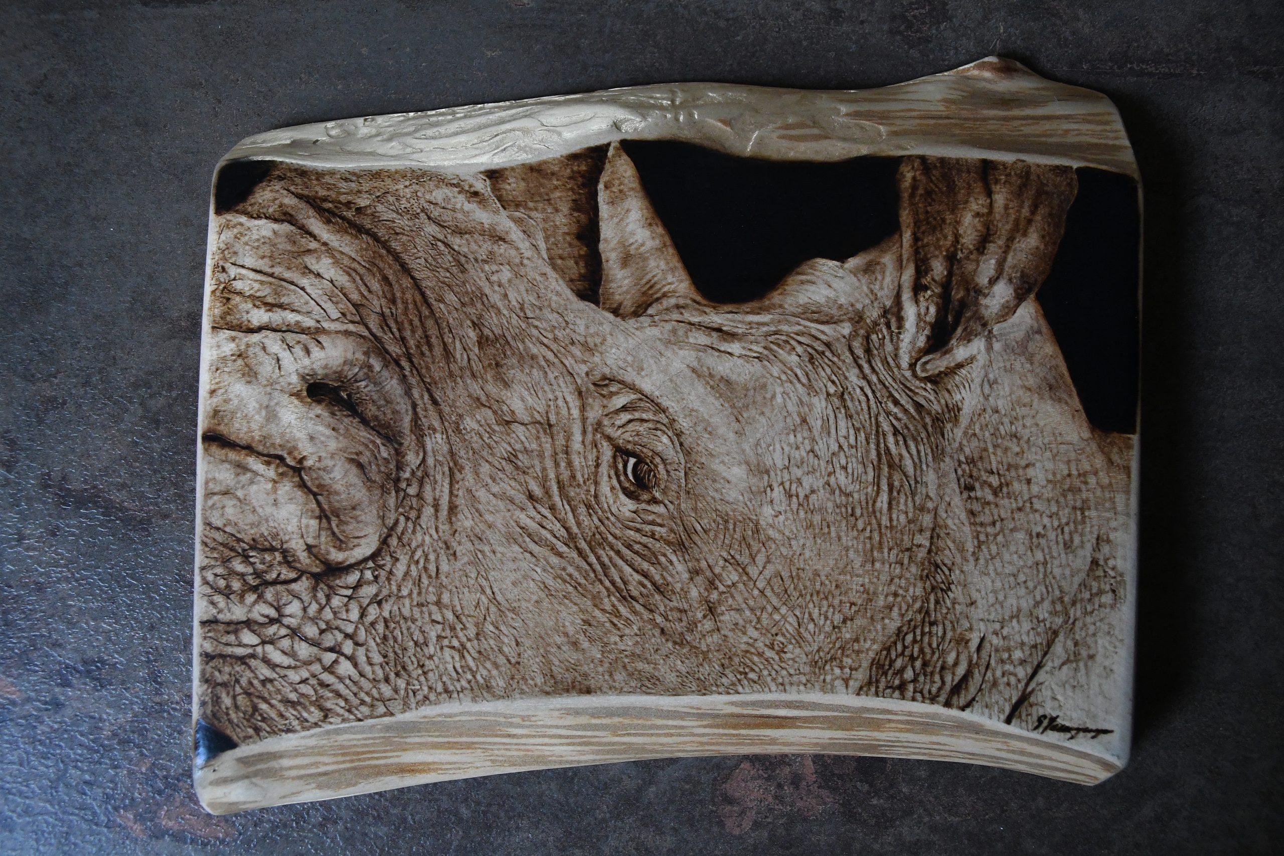 wypalanie w drewnie, sylwia, pirografia, janczyszyn, pyrography, handmade, rękodzieło, pomysł na prezent, zwierzęta, nosorożec